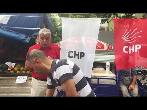 Konyaaltı CHP'li üyeler  pazarda dert dinliyor
