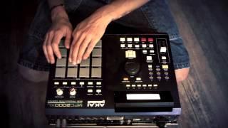 #00 Intro Crown - 1 Beat / 5 MC's