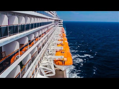 Cruise ship Queen Mary 2 – Transatlantic travel.