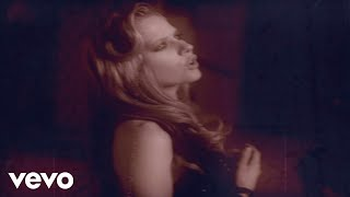 Nobody's Home - Avril Lavigne  (Video)