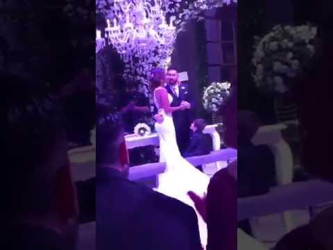 Lionel Messi AWKWARD Wedding Kiss HA HA HA