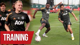 Training | Donny van de Beek, Bruno Fernandes & the lads train ahead of season opener v Palace