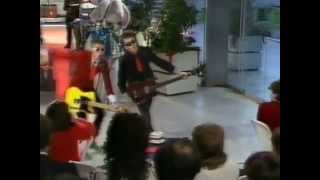Toy Dolls perform Nelly The Elephant on Pebble Mill 1984