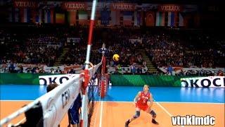 Смотреть онлайн Подборка: Самые лучшие и красивые голы в волейболе