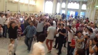Брейк против Лезгинки! Батл на Дагестанской свадьбе в каспийске, советую посмотреть