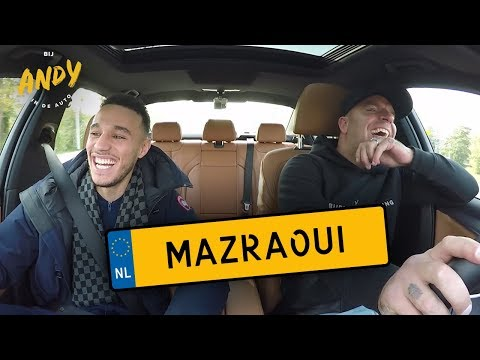Noussair Mazraoui bij Andy in de auto