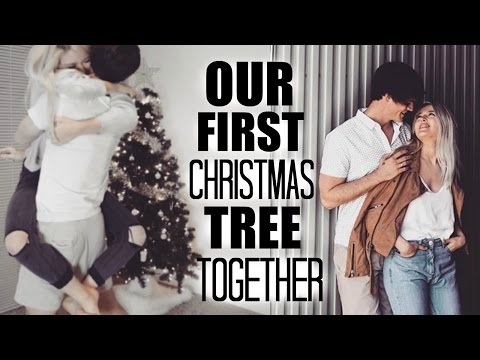 PUTTING UP OUR FIRST CHRISTMAS TREE AS A MARRIED COUPLE!