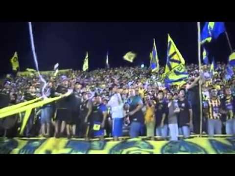 """Chancholigans - Locura Auriazul!!!"" Barra: Chancholigans • Club: Sportivo Luqueño"