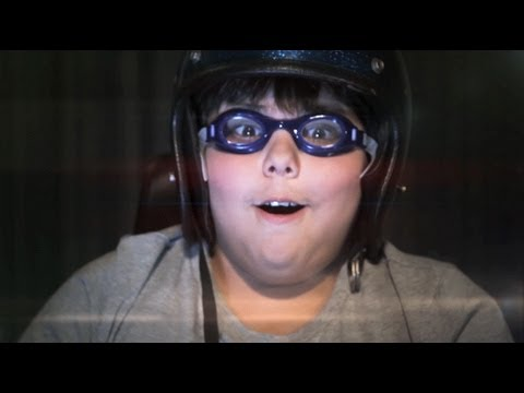 Mumiy Troll — Hey Tovarish! (Official music video)