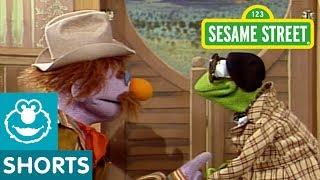 Sesame Street: Kermit Directs a Movie