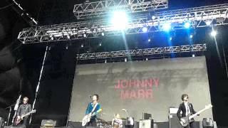 Johnny Marr - World Starts Attack (Lollapalooza Argentina 2014)
