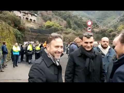TAGLIO DEL NASTRO PER IL PONTE PROVVISORIO IN FERRO DI ROCCHETTA NERVINA