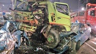 Kronologi Sopir Taksi dan Penumpangnya Tewas dalam Laka Maut di Tol Slipi