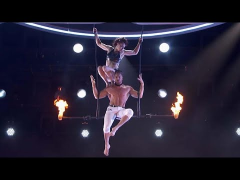 America's Got Talent: Husband and Wife Trapeze Stunt Gone Wrong (видео)