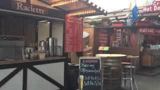 スイス発 ルツェルンKKL横に並ぶ軽食スタンド【スイス情報.com】