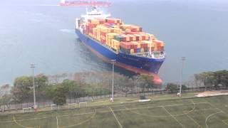 Смотреть онлайн Экстренное торможение грузового лайнера 6 апреля 2014