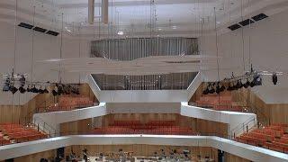 Nu isser färdsch -  Wiedereröffnung des Dresdner Kulturpalastes