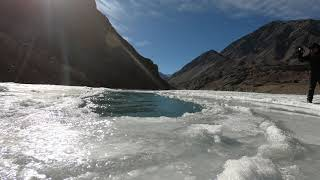 preview picture of video 'Confluence of Indus and Zanskar river, Leh, India'
