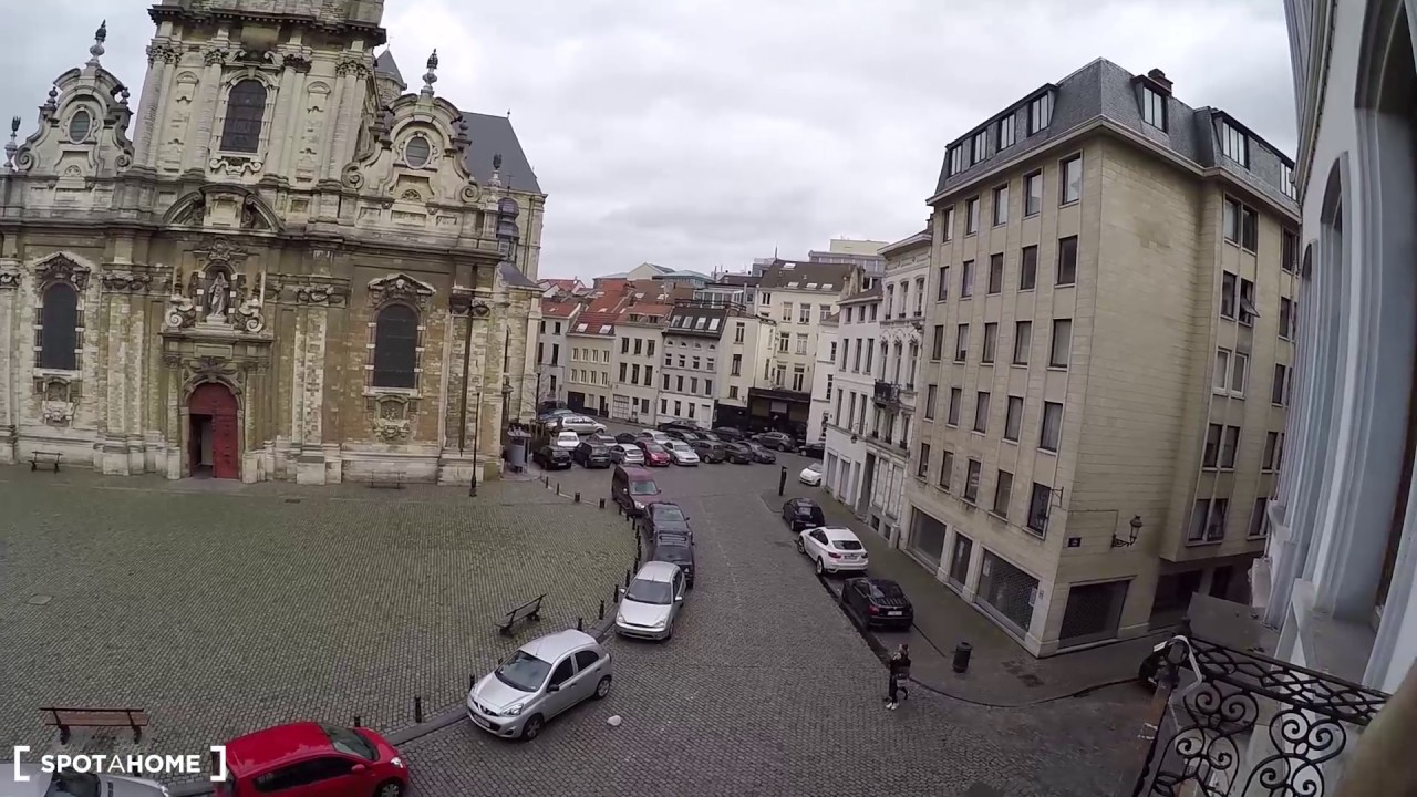 Spacious 1-bedroom apartment with beautiful view for rent in Brussels City Center
