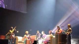 """autre extrait de """"ne m'abandonne pas"""" concert Christophe Maé Roanne 09/06/10"""