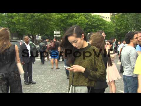 B-ROLL - Susie Bubble, Fei Fei Sun at Paris Haute Couture...