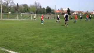 preview picture of video 'Dorost TJ Sokol Újezdec - FK Troubky - trojka z padesáti metrů ;)'