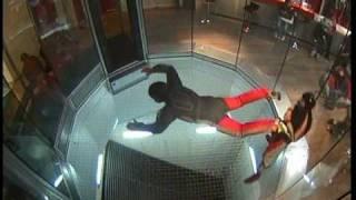 preview picture of video 'Indoor Skydiving Bottrop Anfänger'
