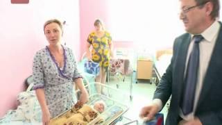 Представители новгородского радиотелевизионного передающего центра посетили областной клинический роддом