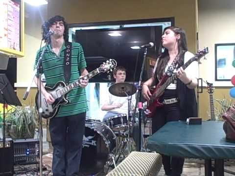 Mattoid Droids - Give Me One Reason + Found You (It Won't Be Long) Live at Sonic (9/10/11)