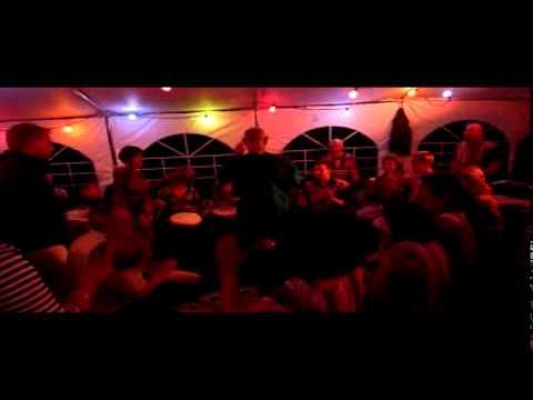 Nummer 6 van optreden Asawali op feest in Gennep