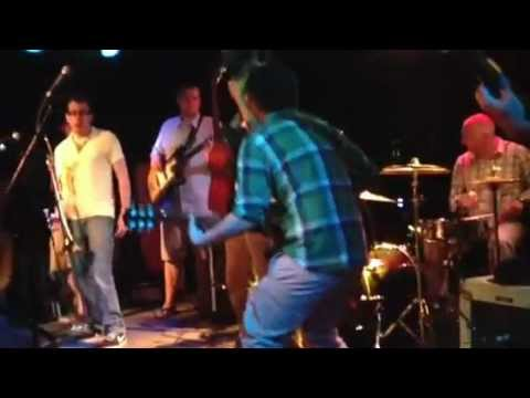 "Samadhi Vibe ""Feelin Good"" Live at The Beat Kitchen playing w/ Jamie Lono"