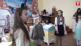 """Дитячий театр показав виставу """"Як колядка шукала свої ноти"""""""