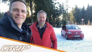 """Die GRIP-Testfahrer Matthias Malmedie und Niki Schelle testen drei Elektroautos bei winterlichen Bedingungen aus unterschiedlichen Segmenten.   Komplette Folgen GRIP bei TV NOW: http://www.tvnow.de/rtl2/grip-das-motormagazin Alle Infos zur Sendung: http://www.rtl2.de/sendung/grip-das-motormagazin  GRIP bei Facebook: https://www.facebook.com/grip GRIP bei YouTube abonnieren: http://www.youtube.com/subscription_center?add_user=GRIPRTL2  """"GRIP - Das Motormagazin"""", immer sonntags im TV bei RTL2."""