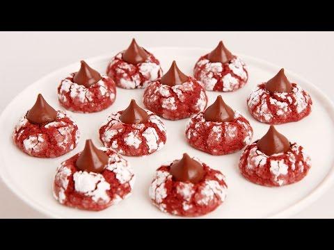 Red Velvet Crinkle Kisses Recipe – Laura in the Kitchen Episode 854