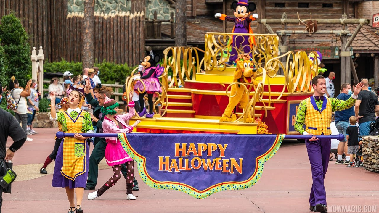 Mickey's Happy Halloween Cavalcade 2020
