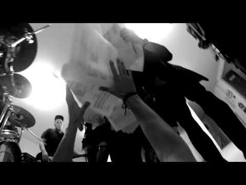 Rebelent - Rebelent - Blázni zomierajú (oficiálny videoklip)