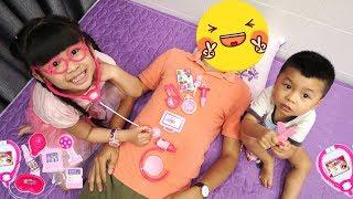 Trò Chơi Bé Bún Tập Làm Bác Sĩ cùng Bé Bắp – Đồ Chơi Trẻ Em ♥ CreativeKids ♥