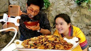 Jiujiu made white pepper fried meat, live broadcast, too fun!