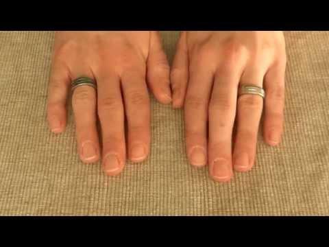 Gribok der Nägel der Hand die Volksmittel