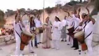 Israeli wedding // shofar for wedding // israeli drum circle