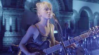 Alice Phoebe Lou - She (Live)