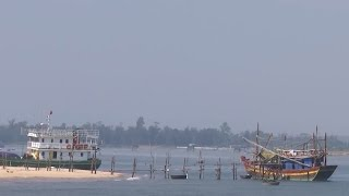 Ngư dân Quảng Trị gặp khó khăn vì cửa biển bị bồi lấp nghiêm trọng