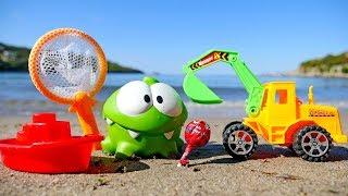 Ам Ням, кораблик и конфета. Детское видео про игрушки.