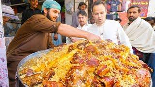 Video Street Food in Peshawar - GOLDEN PULAO Mountain + Charsi Tikka Kabab + Pakistani Street Food Tour! MP3, 3GP, MP4, WEBM, AVI, FLV Agustus 2019