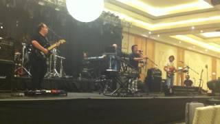 Marillion Soundcheck - Cover My Eyes
