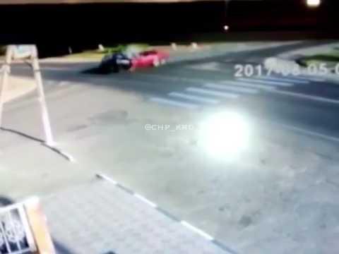Пьяные подростки на автомобиле покалечили женщину