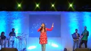 Aishwarya Sings Timeless- Raat Akeli Hai - YouTube