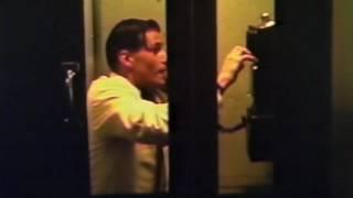 """Вырезанная сцена из фильма """"Назад в будущее"""" - Телефонная будка"""