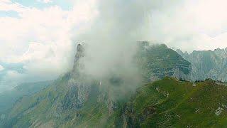 Drönare - Dimmiga bergen med mera