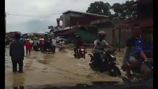 Banjir Rendam Pesisir Barat Provinsi Aceh Akibat Curah Hujan yang Tinggi